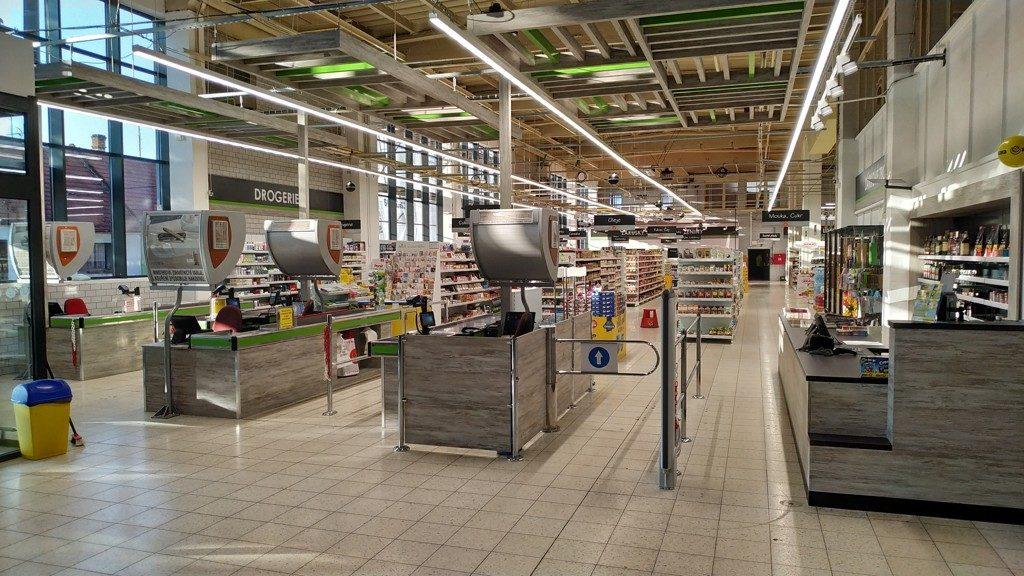 Otevření supermarketu Rojal